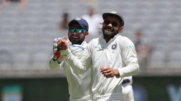 Kohli bats for Pant; asks crowd to not mock him