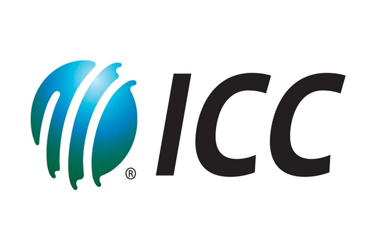 ICC Cricket Committee recommends ban on saliva to shine balls in post-Covid era